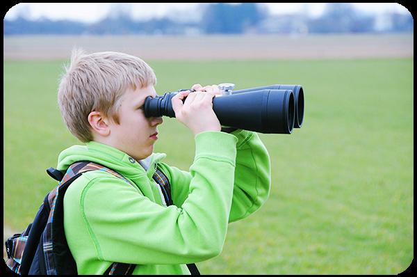 Use Binoculars to Locate Far Photo Scenes